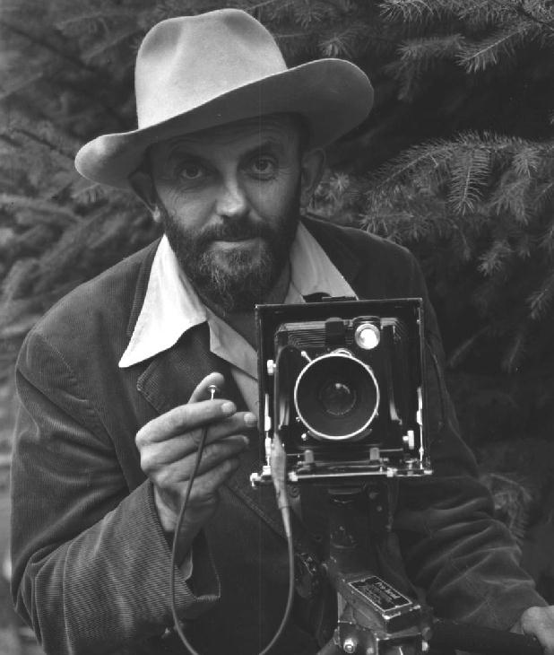 https://fotografiaperfecta.files.wordpress.com/2010/09/ansel-adams.jpg